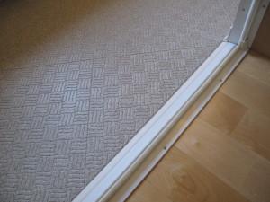 ユニットバスの床カラーは明るめの石目ベーシュ系色を選ぶ