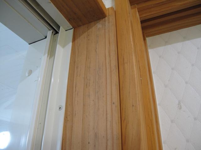 無垢材の建具はカビに注意
