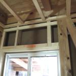 窓枠上のカーテンレール用下地補強の確認