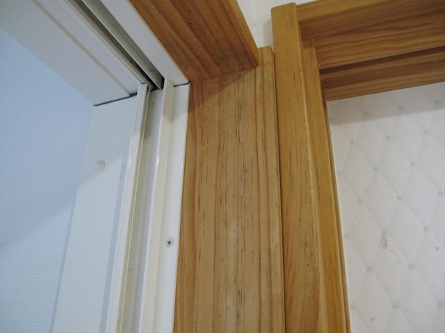 無垢建具の枠がカビた場合の対処法