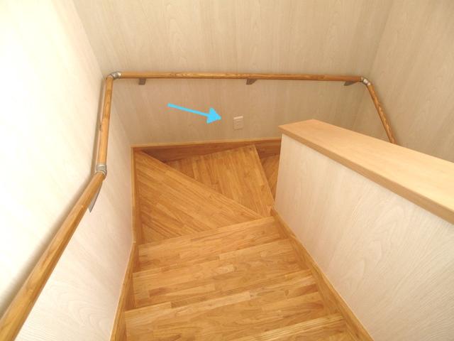 階段コンセント1