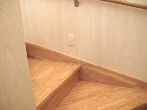階段コンセント2