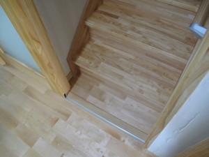 リビング内階段の寒さ対策居室側