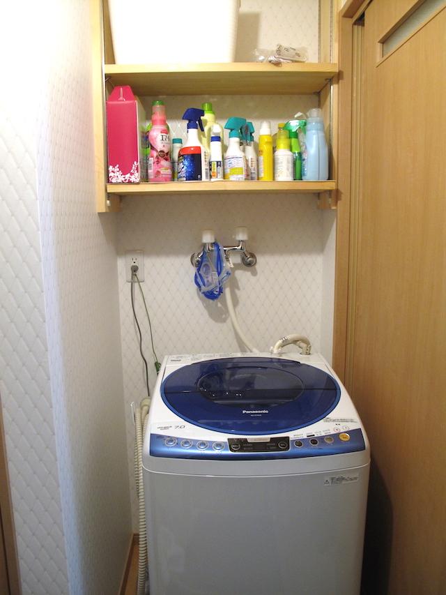 洗濯機周りの収納の為、洗濯機上作り付け収納棚 ランドリーラック収納した所